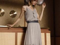 例格:适合夏季的连衣裙 充满魅力与朝气