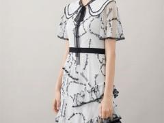 甜美好看的连衣裙 是浪漫早秋的必须具备