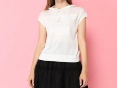 雅意娜菲今年时尚T恤+半身裙 搭配 洋气显嫩