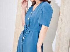 蓝色倾情巨好看的夏末秋初搭配 助你搭配出潮范