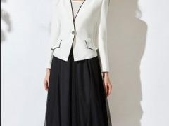乔帛女士服装秋天外套+裙子的搭配才是最高雅的造型