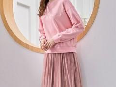 艾丽哲简洁舒适的早秋服装搭配 高雅精致又有风韵