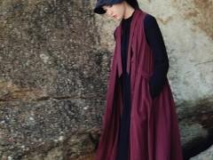 底色女士服装品牌秋天穿针织衫 简洁温柔
