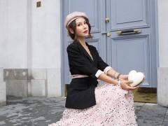 魅之女品牌穿西装搭配长裙 十分的洋气又减龄