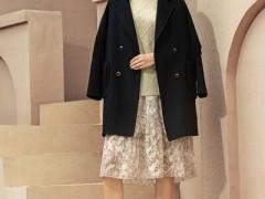 颜若妃初冬天简单高端的大衣服装搭配 时髦保暖两不误