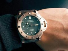成功男性带什么手表?