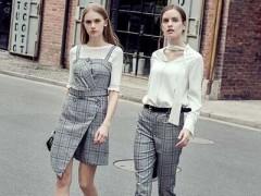 聚汇女士服装品牌简单又有风韵的秋冬季节服装搭配示范