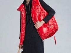 欧炫尔秋冬季节红色系服装搭配 时髦好看又减龄