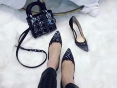 哪种颜色高跟鞋最随意搭配好看