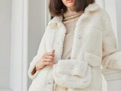 曈行复古典雅的冬天服装搭配 还高级时髦