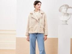 你即永恒适合冬天的外套服装搭配示范 简单又不失时髦感