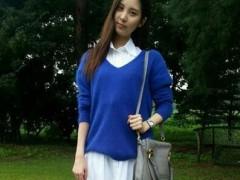 蓝色毛衣白色衬衣搭配什么外套?