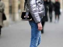 牛仔裤搭配什么羽绒棉服?