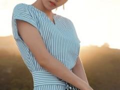 YYMOLI春季试一下蓝色系服装搭配 简洁清爽又时髦