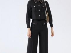 领卉春天穿黑色系单品非常时髦 回头率高