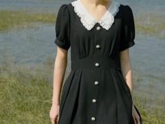 卡蔓春天服装搭配示范 轻松提升你的风韵